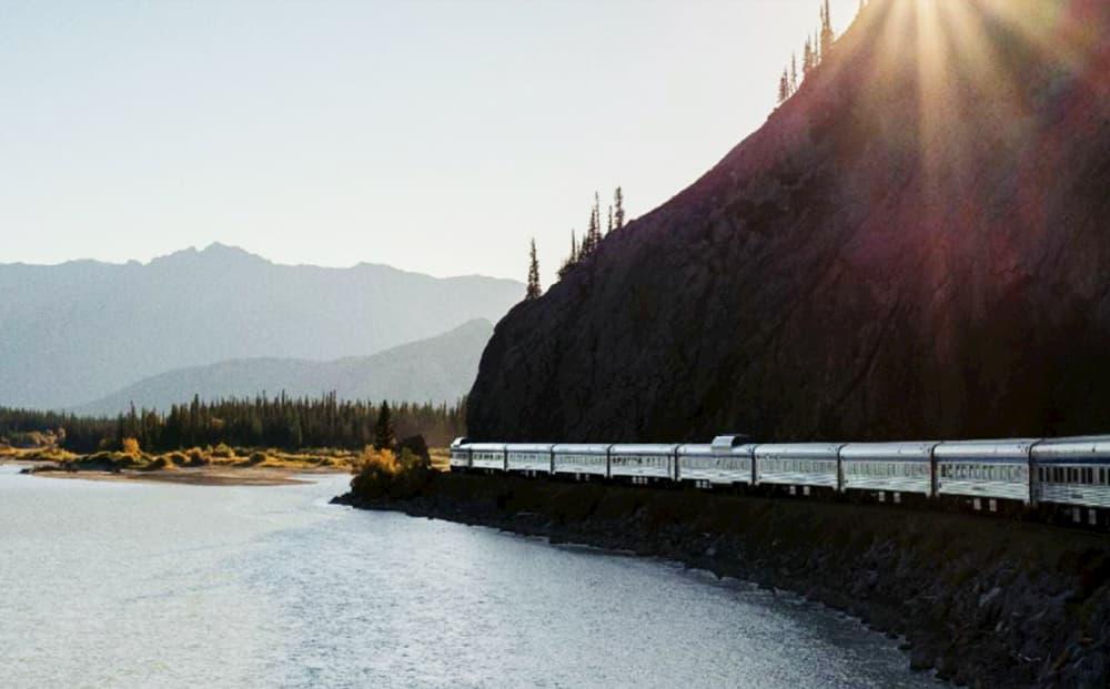 viajar en tren en canada